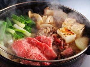 【2食付】2種類の出汁で《和牛のすき焼き鍋》♪人気の《籠盛り和朝食》プラン(チェックアウト11:00)