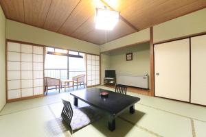本館和室10畳(2階または3階/禁煙)