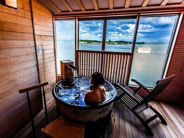 【幻想的な湖を望む】源泉100%!露天風呂付き和洋室(和室12畳+洋室ツイン)
