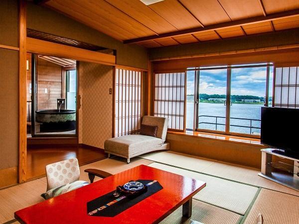 【幻想的な湖を望む】源泉100%!露天風呂付き純和風客室(12畳+6畳)