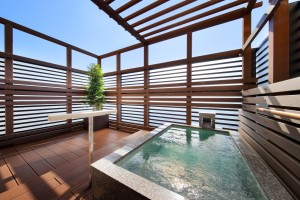 2F 露天風呂付客室(海側12畳)まごち