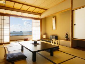 海を一望!絶景部屋 陶器露天風呂付客室(12畳)