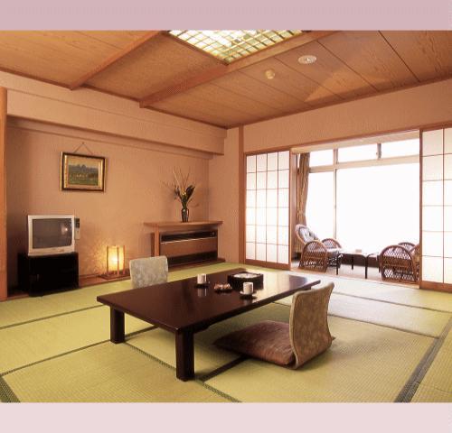 【きむらスタンダード和室 12畳以上】シンプルで広々としたお部屋