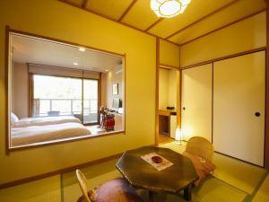 【禁煙室】檜露天風呂+和室6畳+ツインベッド+デッキテラス 〈ツールームタイプ〉