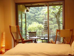 【禁煙室】個室展望風呂+和室6畳+ツインベッド+庭テラス