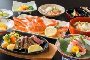 【「食事処」又「別会場」】国産牛ステーキ(120g)&冷凍姿蟹(1杯)♪牛蟹会席(両方食べたい)