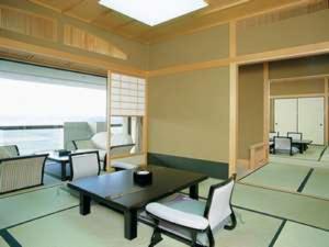 せんせん館:露天風呂付特別室15畳+8畳【部屋食】