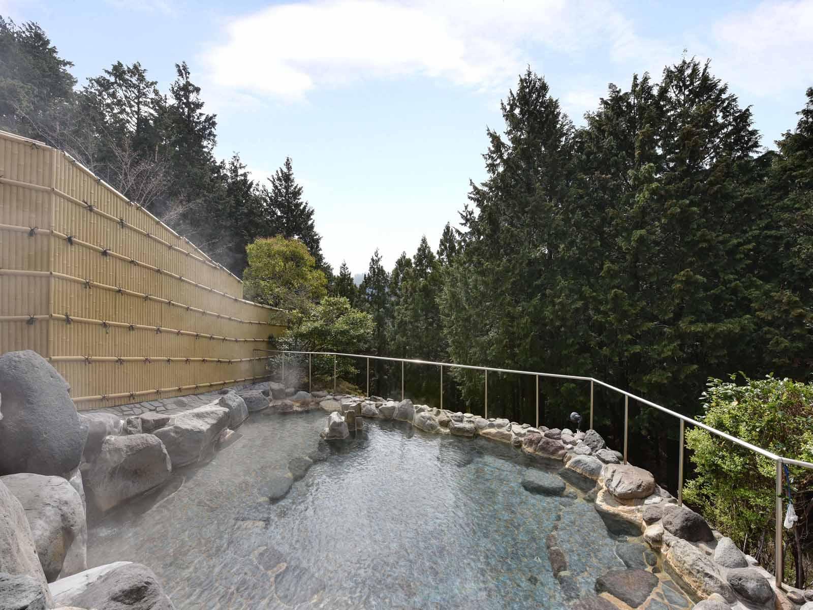【朝食付】最終チェックイン23時までOK!天然温泉で癒されるリゾートステイ