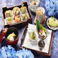 ■和食レストラン「羽衣」の宿泊者限定ディナー、季節の花をイメージした「花ごよみ膳」付き