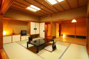 海側本館和室(10畳+6畳) バストイレ付 食事処P