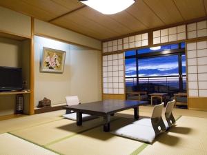 古泉閣 和室10畳(53平米)【定員4名】お食事処