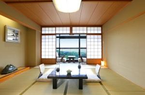 古泉閣 和室8畳(43平米)【定員3名】お食事処半個室広間