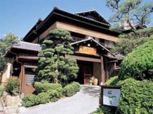 炭火焼き但馬玄(たじまぐろ・神戸ビーフ格付)の一泊二食