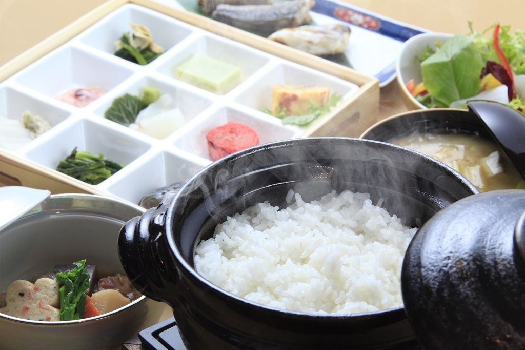 【朝食付き】22:00迄チェックインOK!料理長厳選のお米と卵を中心とした和朝食をご用意<朝食のみ>