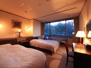 洋室 22平米  早川渓谷からのせせらぎも微かに聞こえます