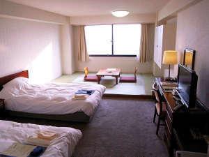 和洋室36平米(たたみ約6畳とベット2台のお部屋)