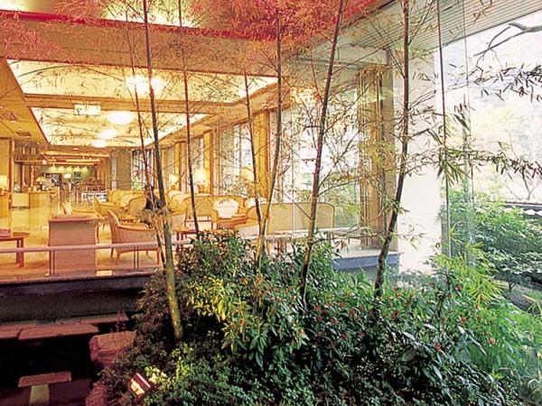 写真:箱根湯本温泉 ホテル河鹿荘