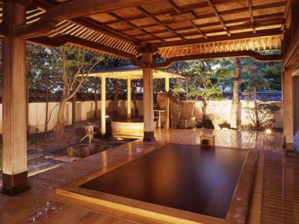写真:琥珀色の自家源泉を持つ宿【ホテル鷺乃湯】