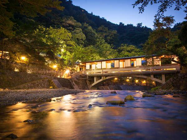 写真:月光園 游月山荘(ゆうげつさんそう)