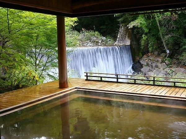 写真:かやぶきの郷 薬師温泉旅籠 (はたご)