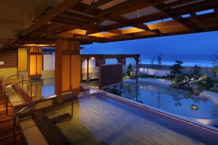 写真:鴨川グランドホテル