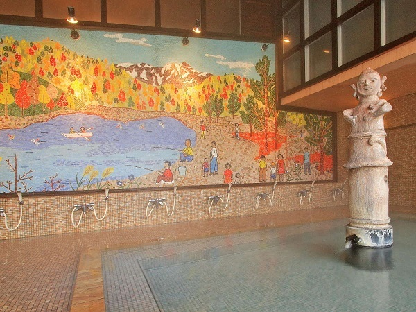 写真:人気の貸切風呂と炭火山里料理の宿 辰巳館